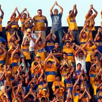 Mexico: Giant invasion of Tigres fans