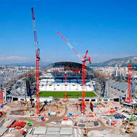 Marseille: Main grandstand going up