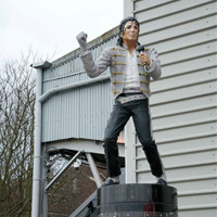 London: Al Fayed takes Jackson statue from Craven Cottage