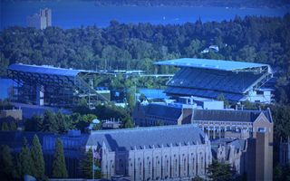 Stadium of the Year 2013: 3. Husky Stadium