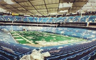 USA: The misery of abandoned Silverdome