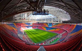 Amsterdam: Record turf relaying at ArenA