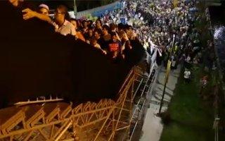 Rio de Janeiro: Wobbly staircase raises concerns