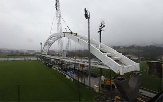 Bilbao: Legendary arch mounted at training stadium