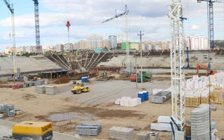 Russia 2018: Lower stands growing in Saransk