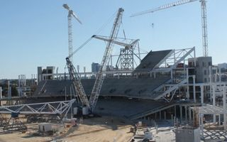 Perth: First steel roof truss installed