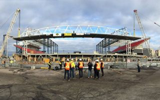 Toronto: Third roof raised, naming rights signed