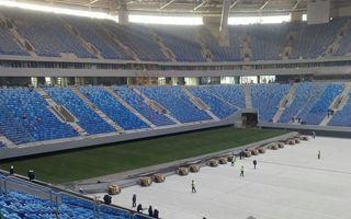Saint Petersburg: The field slides inside for the first time