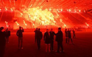Poland: Hundreds of flares light up Wisła Kraków stadium