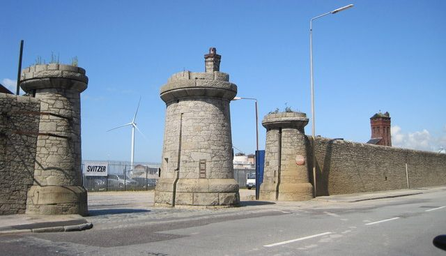 Everton / Bramley-Moore Dock