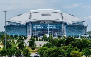 Texas: $1-billion superstadium with... sun blinding players