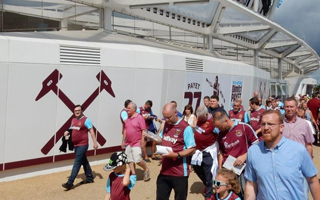 London: West Ham honour Billy Bonds with east stand