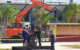 Miami: Lockhart Stadium demolition begins
