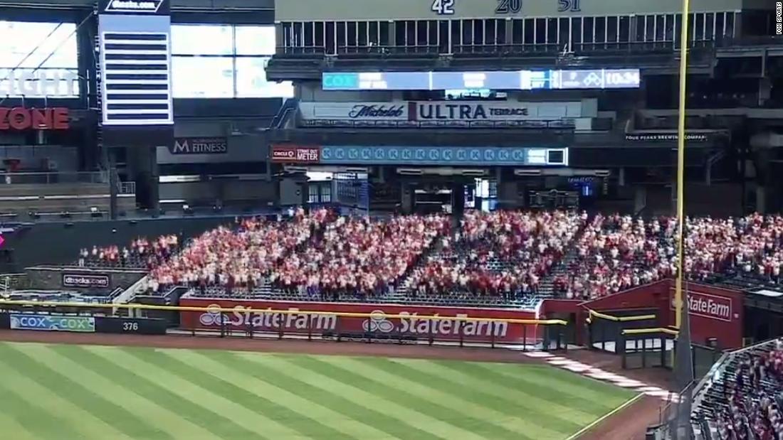 Fox Sports fake crowd