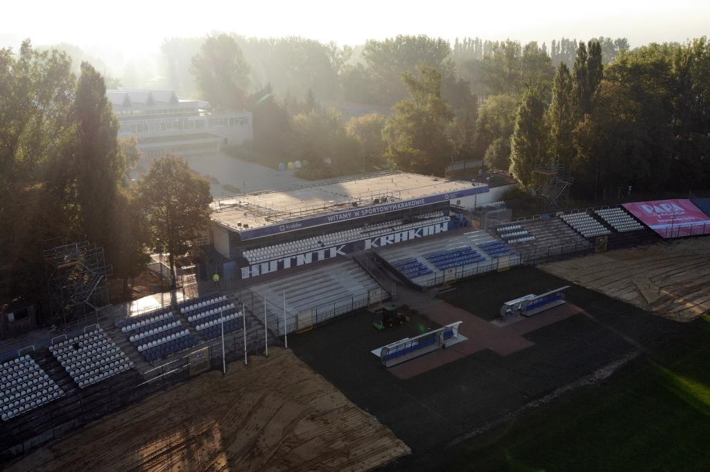 Stadion Suche Stawy - Hutnik Kraków