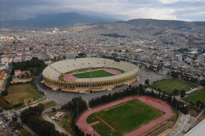 Izmir Ataturk Stadyumu