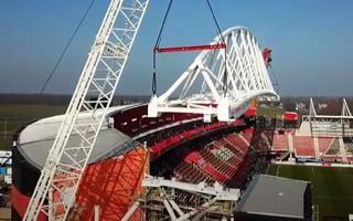 Alkmaar: Symbolic day, mega truss in position