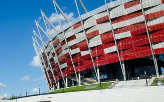 Who are bookmakers betting on tonight at PGE Stadion Narodowy?