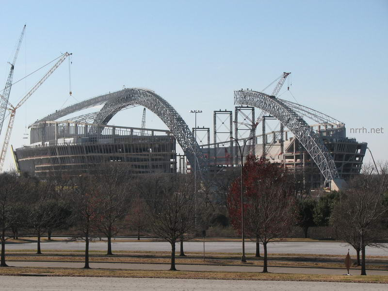 dallas cowboy stadium construction The jones family, owners of the dallas cowboys, studied the finest stadiums,   the stadium was precedent-setting in architectural design and construction.