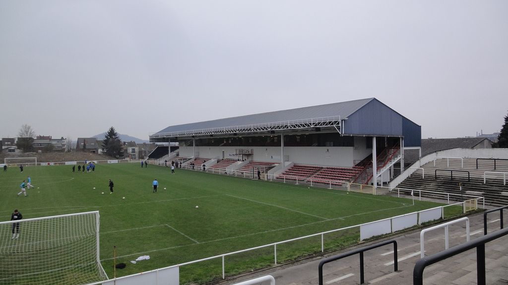 Stade De La Neuville Stadiumdb Com
