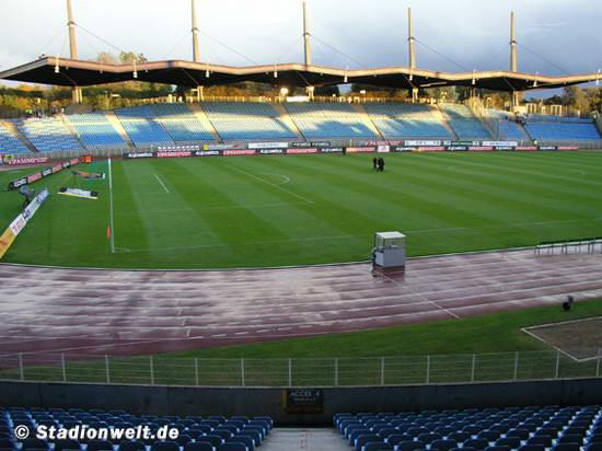 Stade lille m tropole de villeneuve d ascq stadium nord for Stand lille