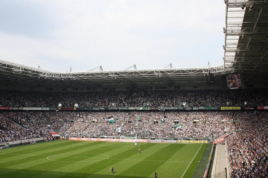 Stadion im Borussia-Park - StadiumDB.com