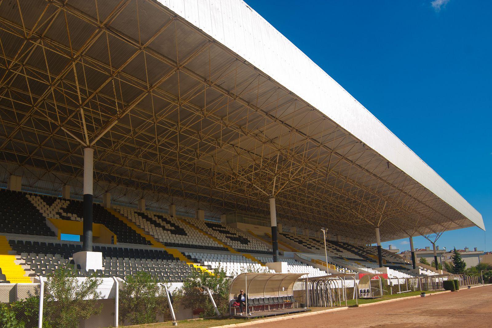 Kuşadası Belediyesi 214 Zer T 252 Rk Stadyumu Stadiumdb Com
