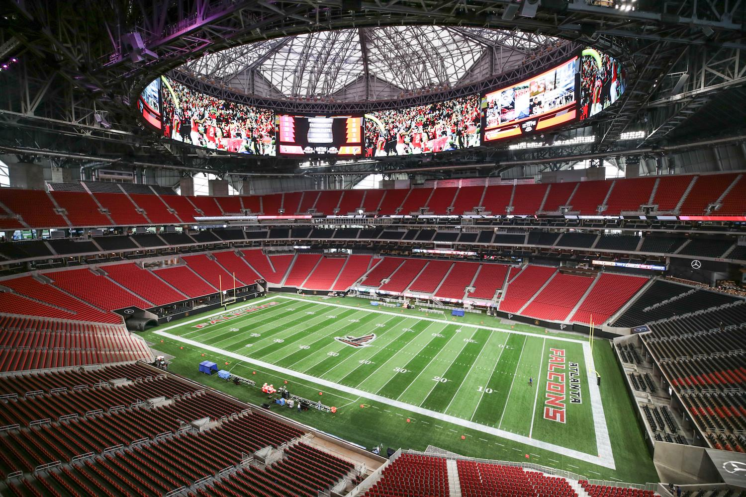 Mercedes benz stadium for Mercedes benz stadium layout