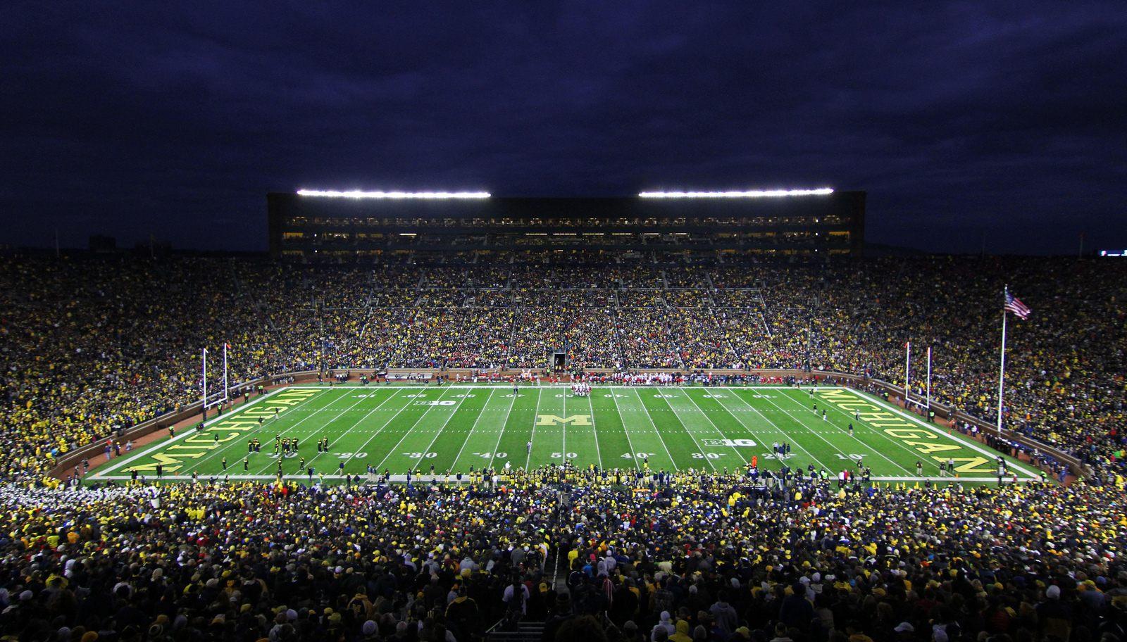 Michigan Stadium The Big House Stadiumdb Com