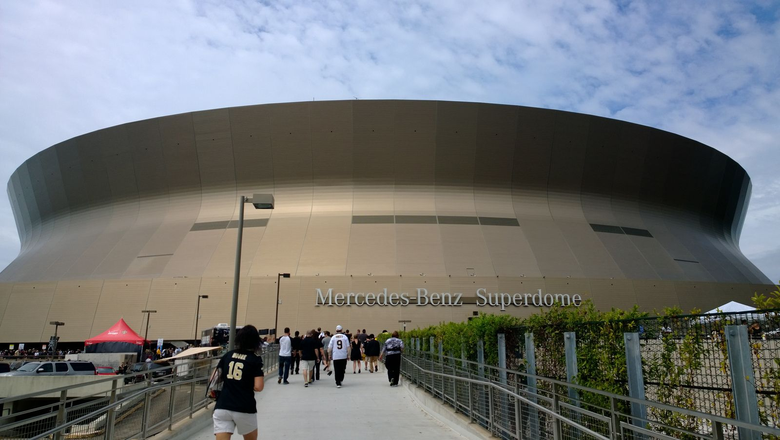 mercedes benz superdome. Cars Review. Best American Auto & Cars Review